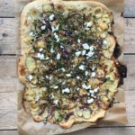 Pizza bianco med kronärtskockkräm