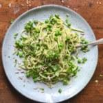 Vegansk pasta med ärtpesto