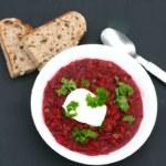 Vegetarisk billig rödbetssoppa