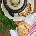 Blomkål- och potatissoppa med örtolja