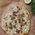 Pizza bianco med blomkål, champinjoner och citron