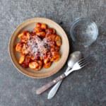 Gnocchi med tomat och salviasås