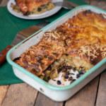 Lasagne gjord på överbliven majssoppa, spenat och svarta bönor