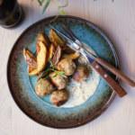 Fröbollar med dragonsås och klyftpotatis
