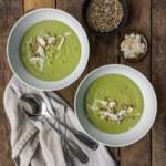 Grön ärtsoppa med linser, kokosmjölk och grön curry