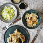 Dumplings med vitkål, sojafärs, champinjoner och ingefära