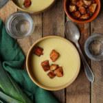 Potatis och purjolökssoppa med krutonger