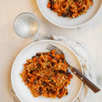 Pasta med tomatsås och svarta bönor